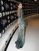 http://img222.imagevenue.com/loc1149/th_393612337_Miley_Cyrus_321_122_1149lo.jpg
