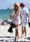 Виктория Сильвстед, фото 1481. Victoria Silvstedt bikini on the beach in Miami - 12/26/11, foto 1481