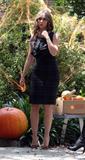 Jennifer Love Hewitt Th_48104_Preppie_-_Jennifer_Love_Hewitt_on_the_Ghost_Whisperer_set_7240_123_419lo