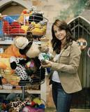 Jacqueline Obradors Shopping At A Pet Store {X3} LQ