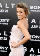 "صور Amber Heard ""Salt"" Premiere Angeles, July 2010 *updated* th_41675_aMbErHeArDsAlTsCrEeNiNg071910nBs49_122_692lo.jpg"