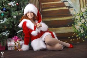 http://img222.imagevenue.com/loc759/th_531348736_silver_angels_Sandrinya_I_Christmas_1_058_123_759lo.jpg