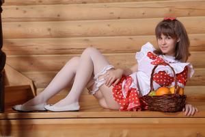 http://img222.imagevenue.com/loc767/th_210546619_tduid300163_Silver_Sandrinya_maid_1_111_122_767lo.JPG