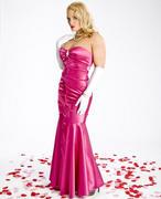 Beth Phoenix: Pink Persuasion (x10 Pics)