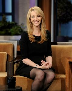 Лиса Кудроу, фото 2. Lisa Kudrow The Tonight Show with Jay Leno - July 05, 2011, photo 2